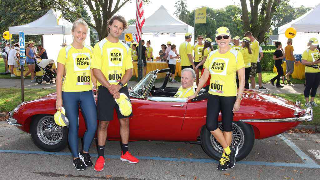 Race Of Hope Car and runners